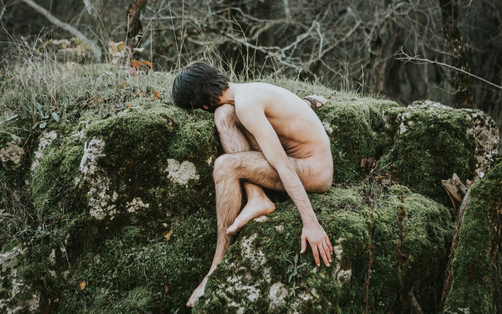 Wald leben im nackt Ein Tag